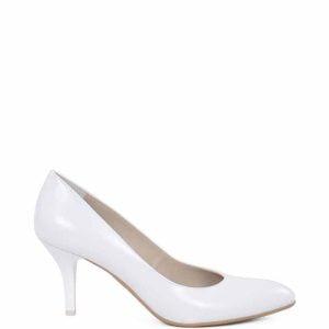 NAHIA -Białe szpilki z półmatowej skóry licowej. Buty idealne do ślubu na niewysokiej szpilce z bardzo wygodnym profilowaniem.
