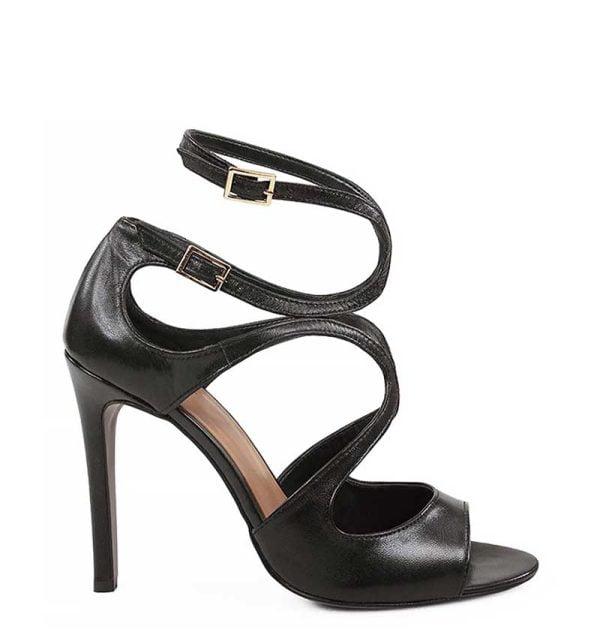 Czarne sandałki na szpilceekskluzywnej marki GASSU z licowej skóry naturalnej.